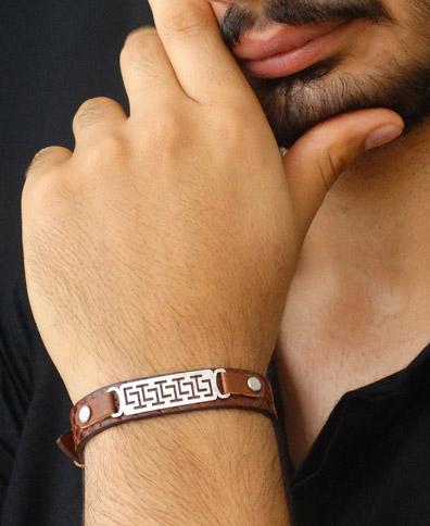 دستبند چرم با پلاک نقره